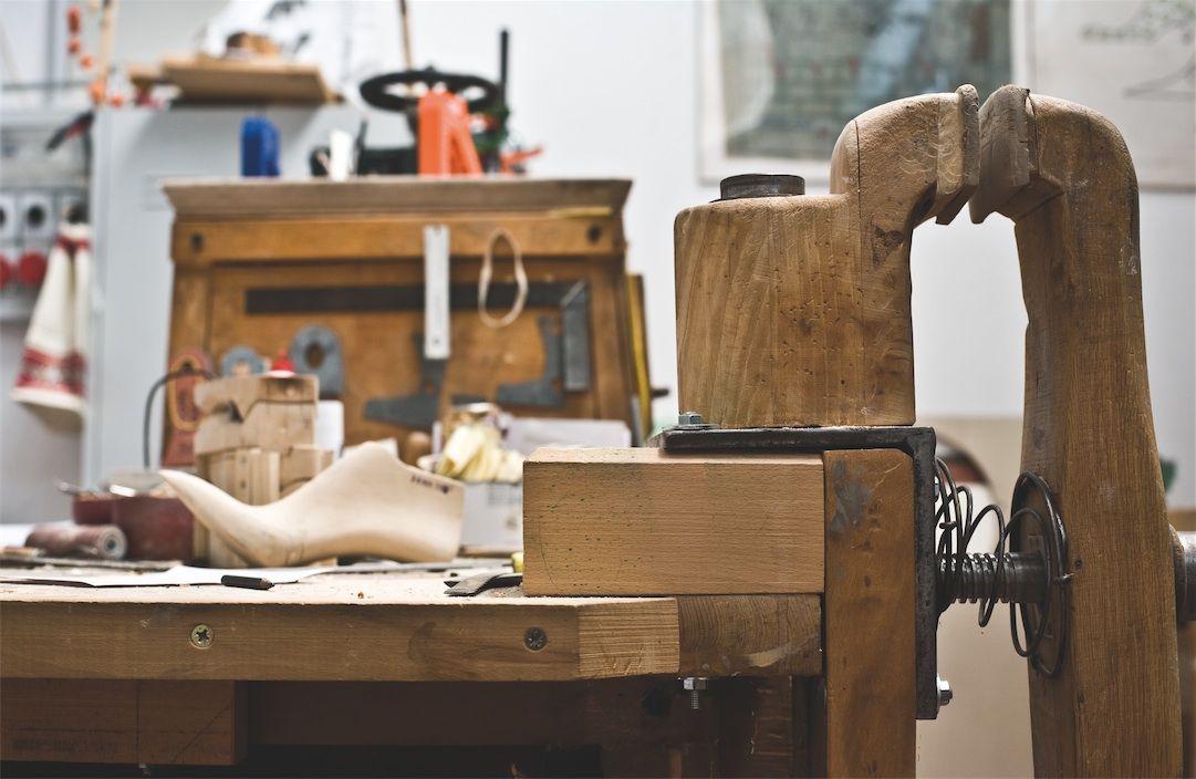 Il marchio #Formentini è sinonimo di #stile e #raffinatezza e rappresenta al meglio l'eleganza di una Calzatura prodotta interamente in Italia.   Un marchio che si lega ad un concept di bellezza autentica, manifesto di un Made in Italy intramontabile e irresistibile.   Tutto questo vi offre Formentini Outlet attraverso prezzi imbattibili e promozioni pensate ad hoc per tutte voi!!! :-)  http://www.formentini.it/about-us/