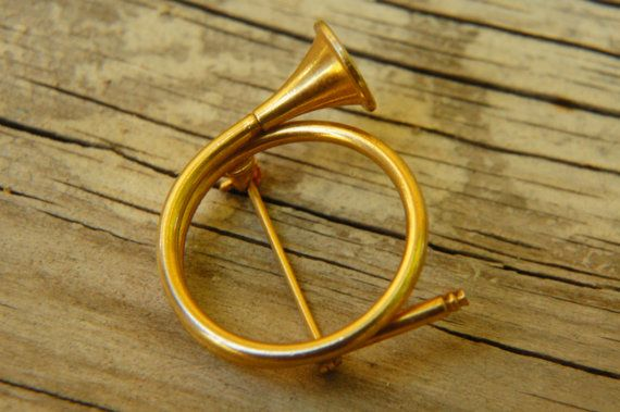 vintage 50s60s french horn trumpet brooch costume jewelry