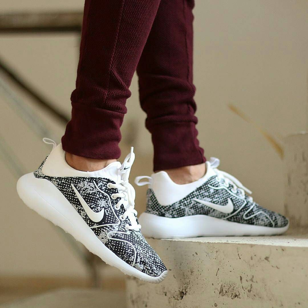 super popular 42f76 c8cb5 NIKE KAISHI RUN 2.0 PRINT Size  39 40 IDR640.000 original made