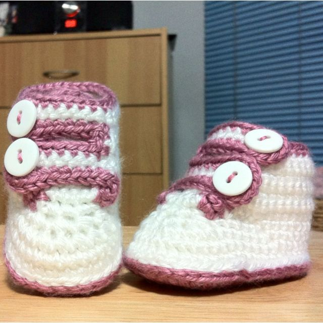 Baby Strap Shoes I made from a pattern by monpetitviolon.etsy.com