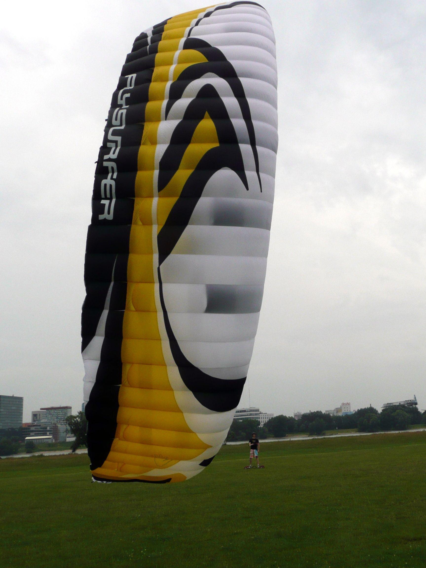 Kitelandboarding In Düsseldorf Germany With The New Flysurfer Speed 3 Ce