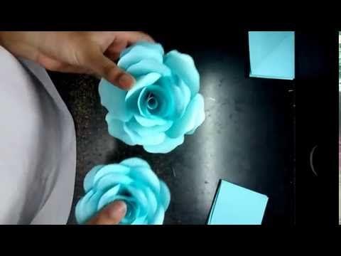 DIY Große Papierblüten-Wand aus Kopierpapier selber machen Deko - rose aus stein deko