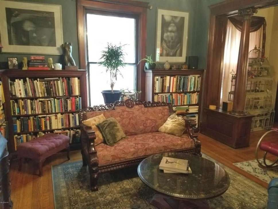 marvelous old fashioned living room | Old fashioned comfort and tantalizing books. | My ...