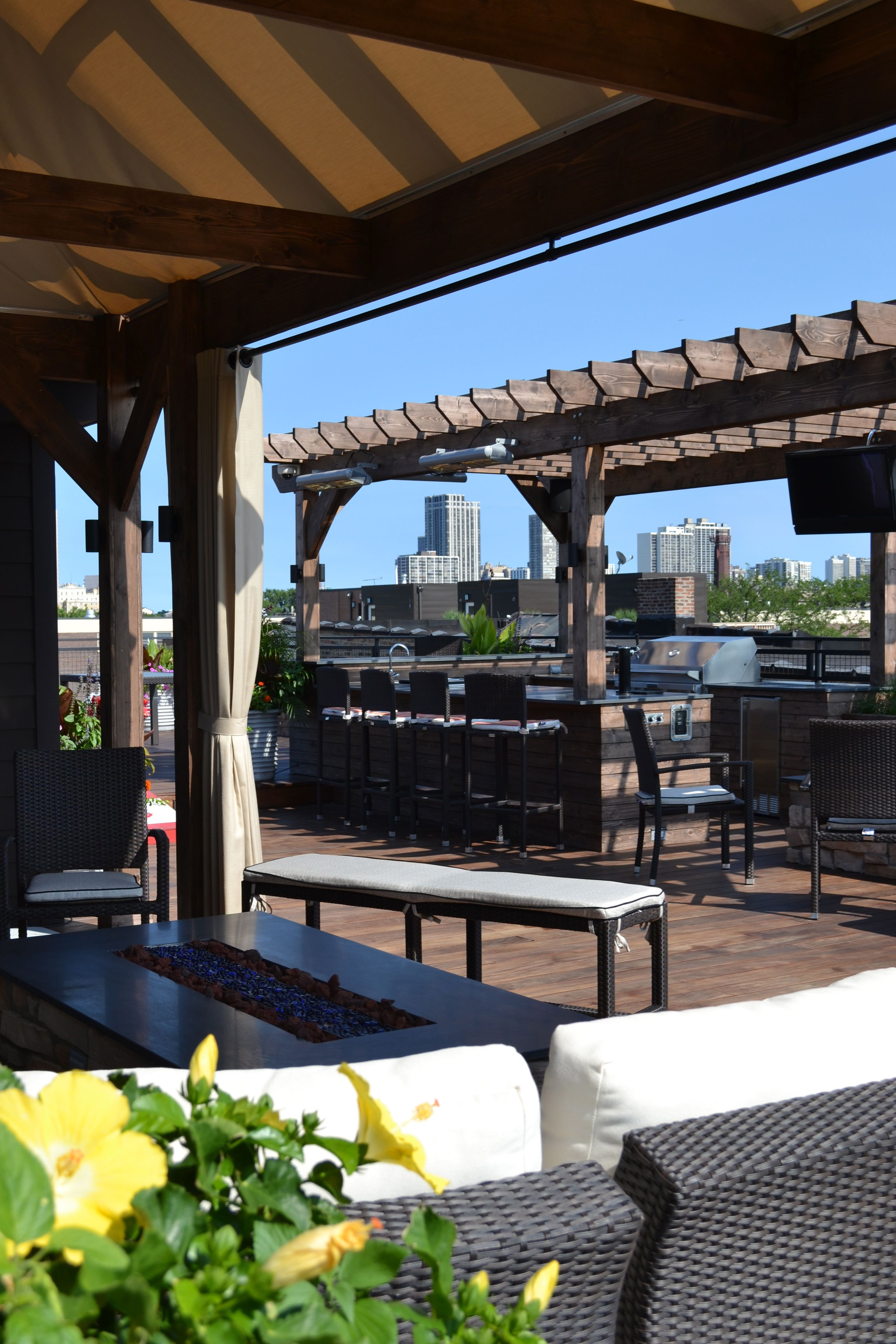 Chicago Firepit Furnishings Rooftop Bar Kitchen