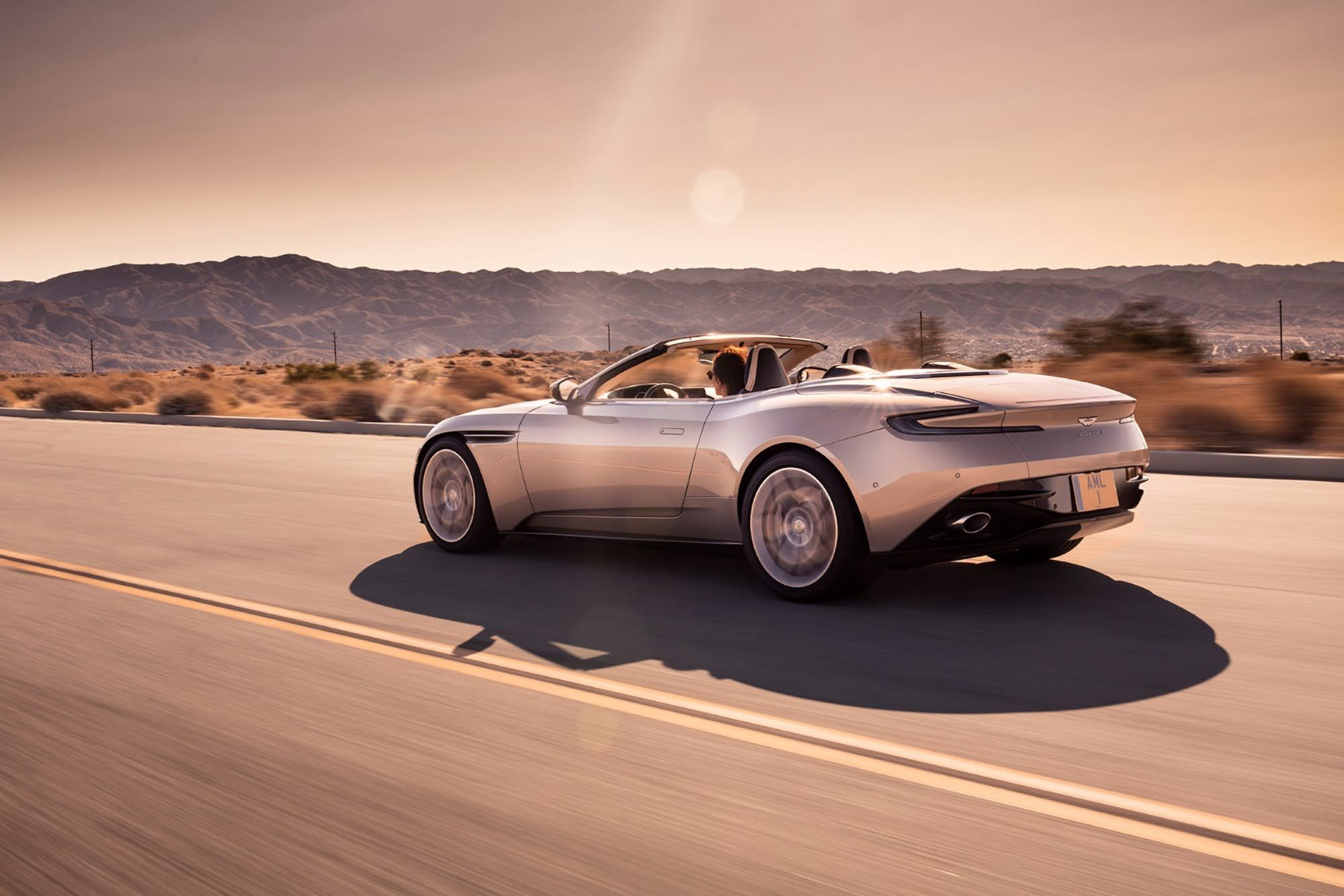 Aston Martin Peels The Roof Back On The Db11 2020 画像あり