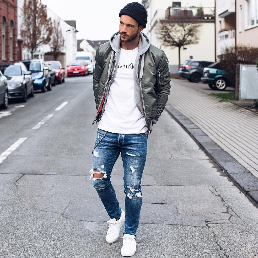 """""""Today's look.  Outfit by @aboutyoude  Enjoy your evening! #streets"""""""