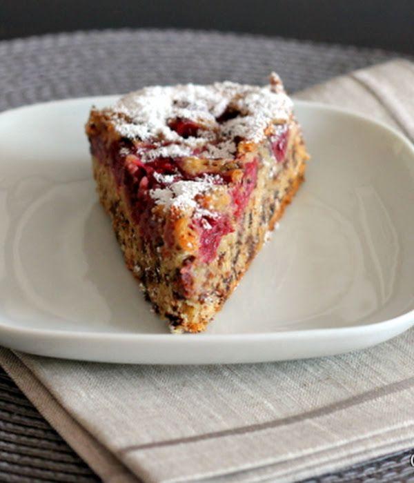 Juicy cherry cake with grated chocolate: cherry plotter