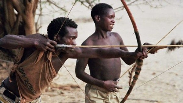 Fotos Hadza La última Tribu Del Planeta Que Lleva Una Vida Como La De Hace 10 000 Años Tribus Africanas Fotos Arqueria