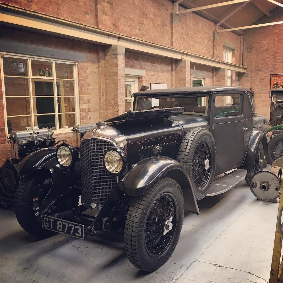 Stunning #Bentley saloon in @kingsburyracing\'s workshop this ...