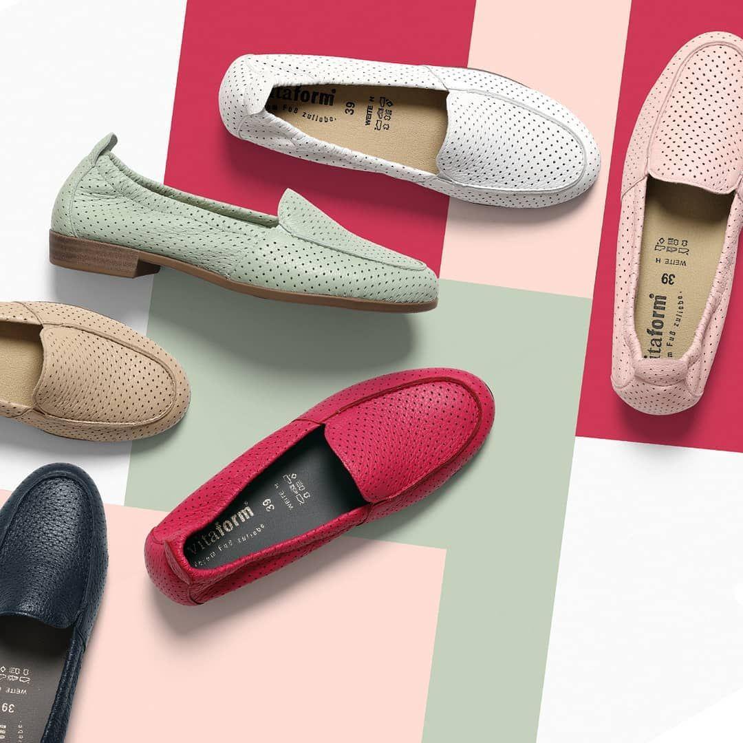 Wer Die Wahl Hat Hat Die Qual Fur Welche Farbe Unseres Heutigen Tagesangebotes Von Vitaform Dem Schicken Damen Slipper Aus Weichem In 2020 Shoes Mule Shoe Slippers
