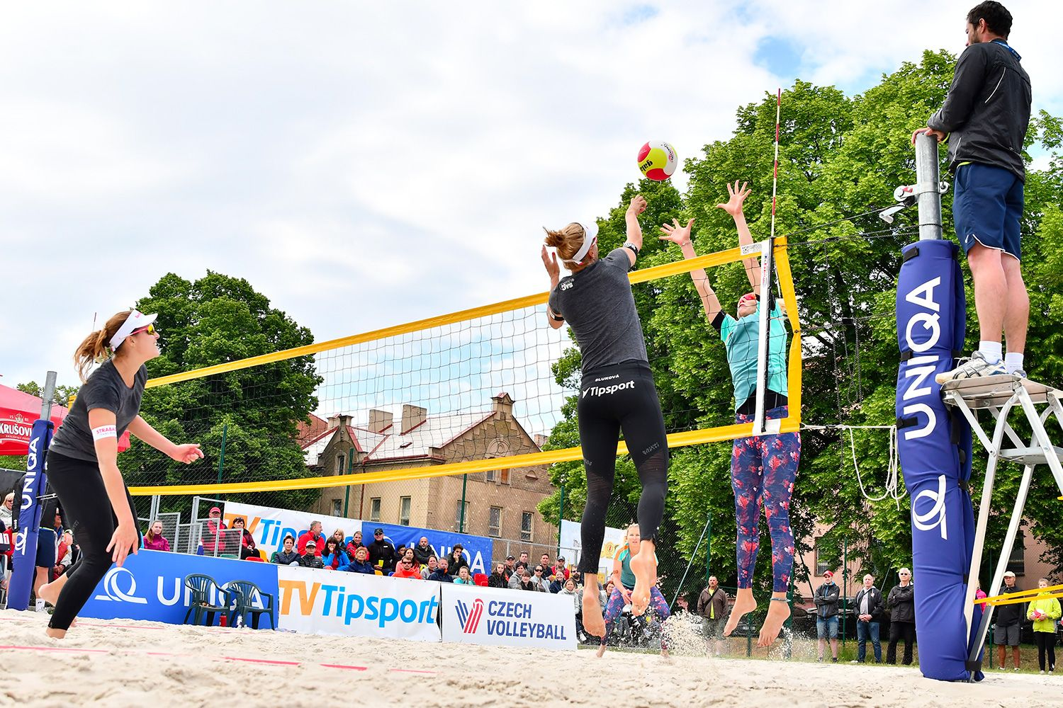 Professional Beach Volleyball Resuming In Europe In 2020 Beach Volleyball Volleyball Beach