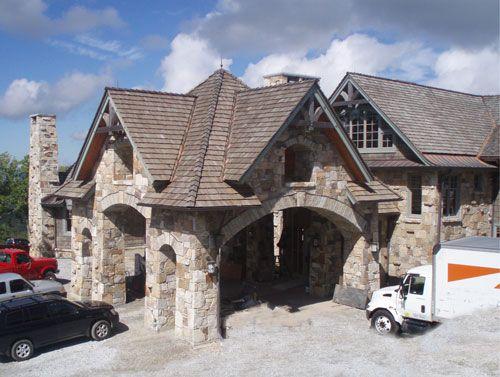 Stone porte cochere porte cochere pinterest stone for Cottage house plans with porte cochere