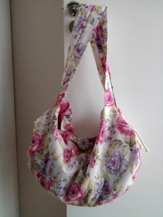 Bolsa toalha. Simone Aguiar - Pequenos Agrados