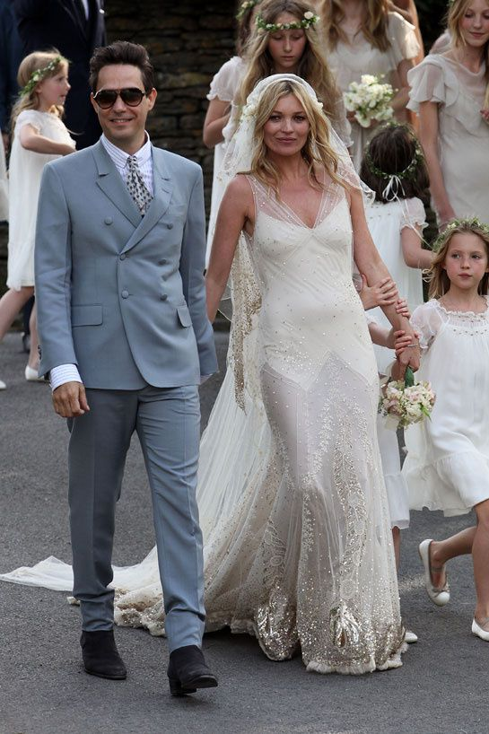 Les mannequins en blanc john galliano kate moss and mariage bridal gowns junglespirit Choice Image