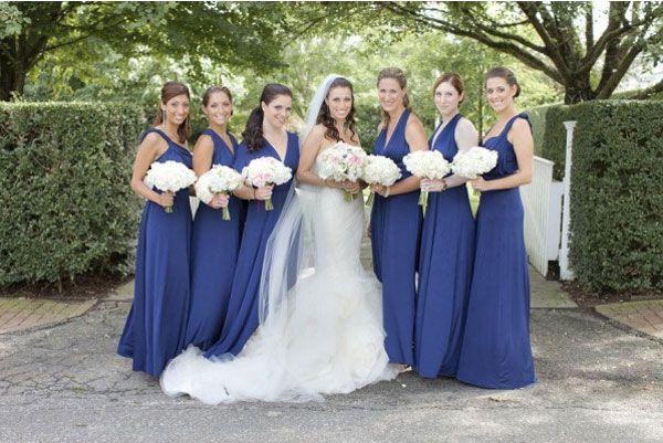 robe bleu roi demoiselles d 39 honneur bouquet de fleurs mari e robe blanche voile. Black Bedroom Furniture Sets. Home Design Ideas