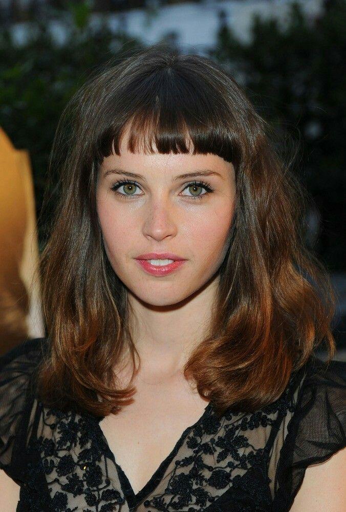 Felicit Jones Haircut Short Blunt Bangs Natural Wavy Hair Mid Length