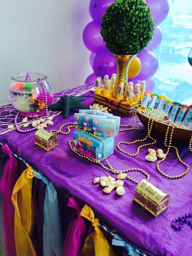 Decoración de mesa en cumpleaños Bubble guppies   fiesta infantil ...