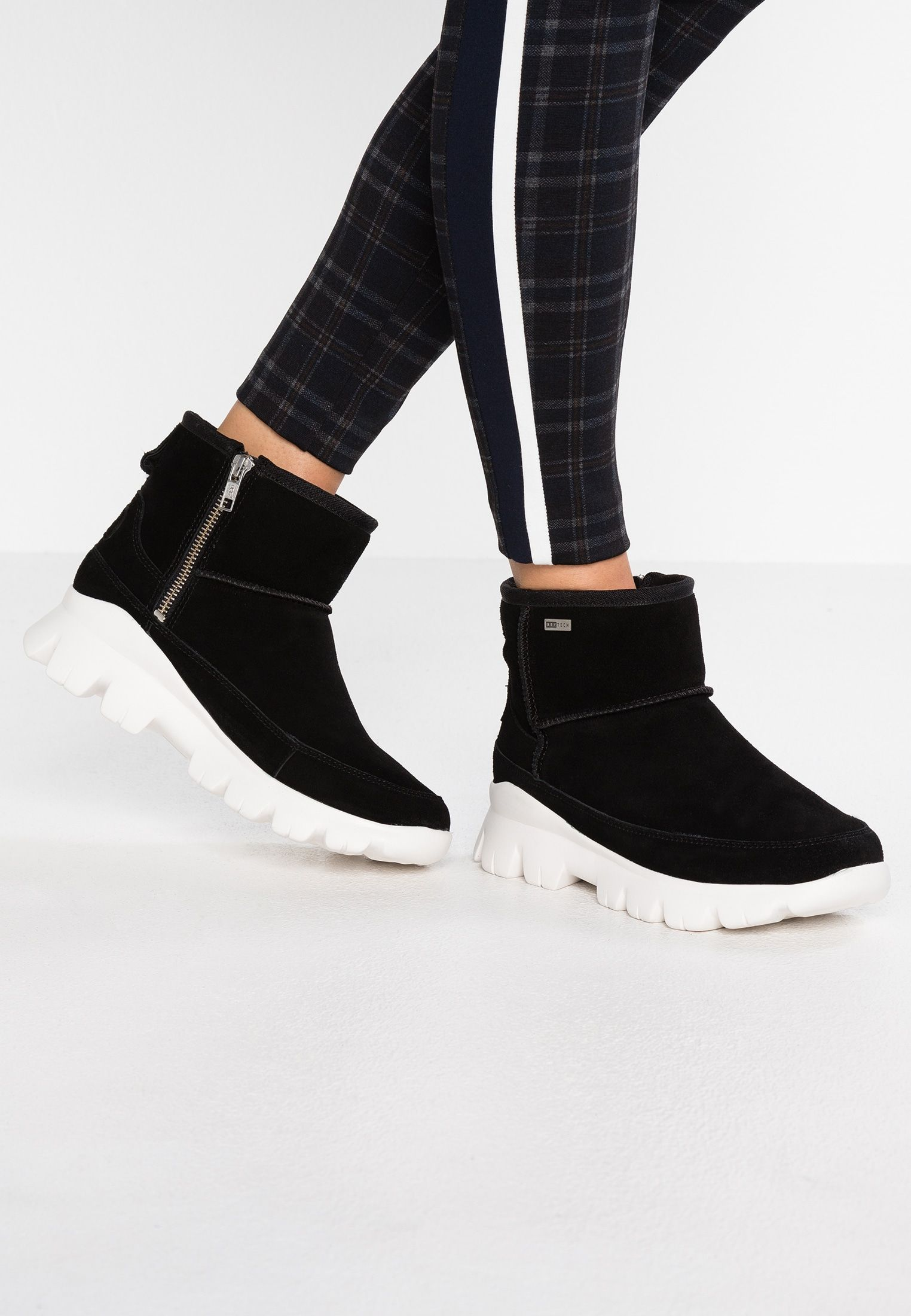 Winter fashion boots, Winter boots