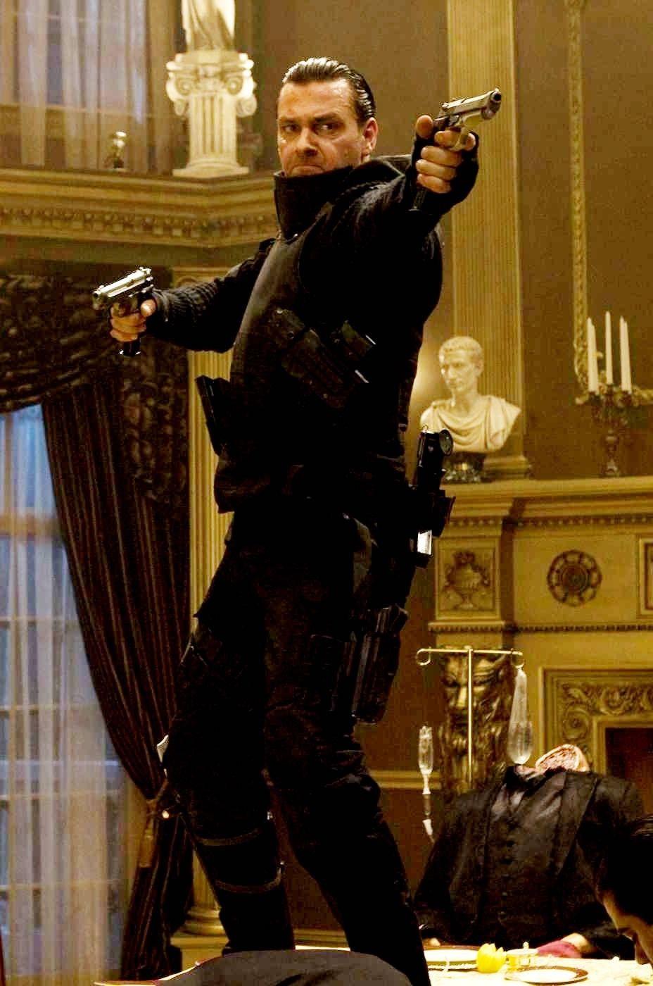 Jasonfnsaint Ray Stevenson As Frank Castle In Punisher War Zone 2008 Punisher Frankcastle Raysteven Punisher Marvel And Dc Characters Punisher Marvel