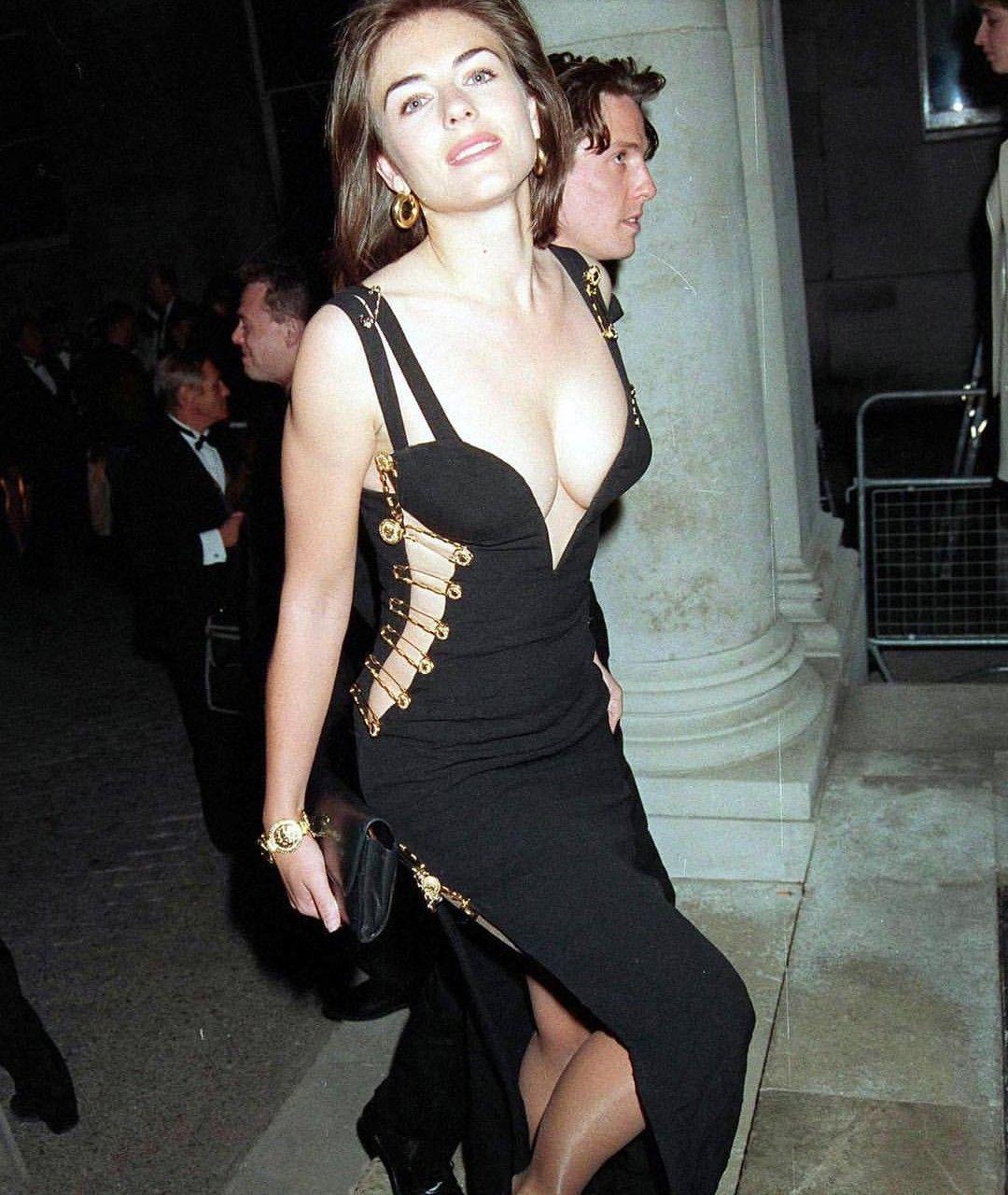 Versace dress Liz Hurley | Elizabeth hurley, Kleider, Schwarzes kleid