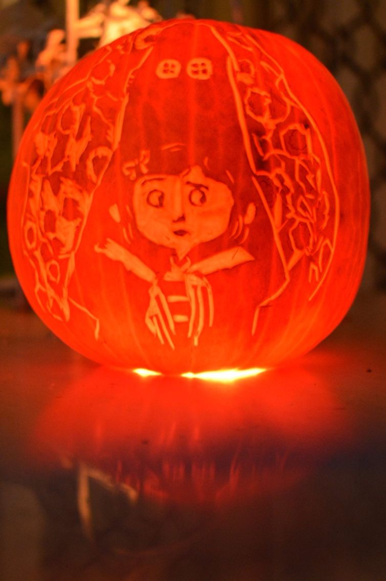 Coraline Other Mother Pumpkin Carved By Jocelyn Wylie Halloween Costumes Other Mothers Carving