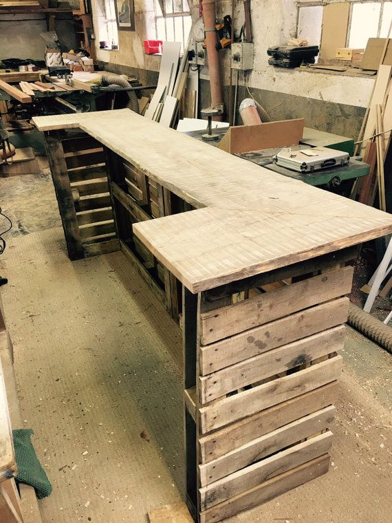 Shabby chic pallet bar projects to try pinterest for Pallet shabby chic