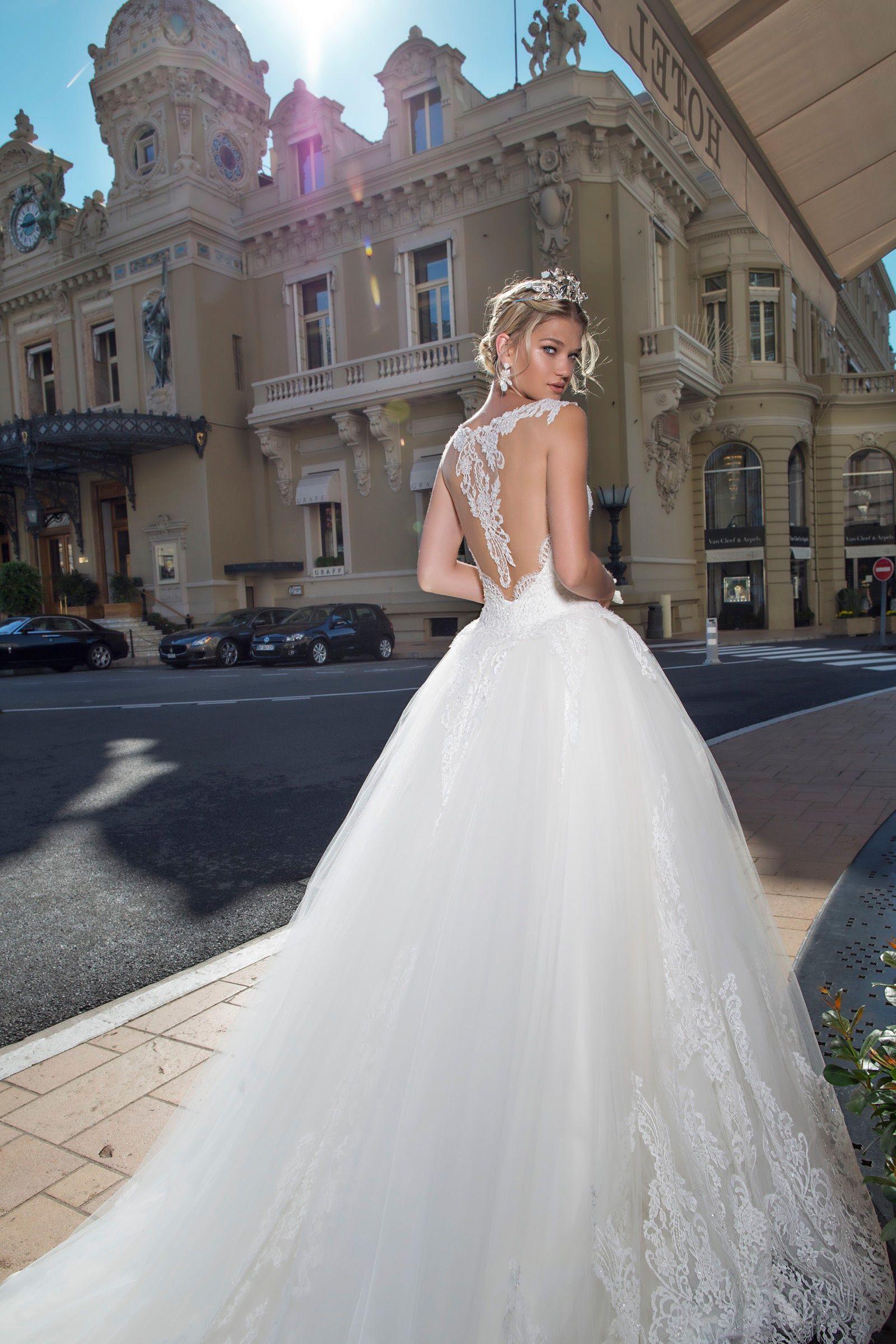 1b81e1f84825 Abito da sposa Alessandra Rinaudo Modello  BONNY ARAB17626 collezione 2017