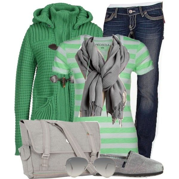 Cozy Fall Travel Outfit - I think this would be cute in a different color!
