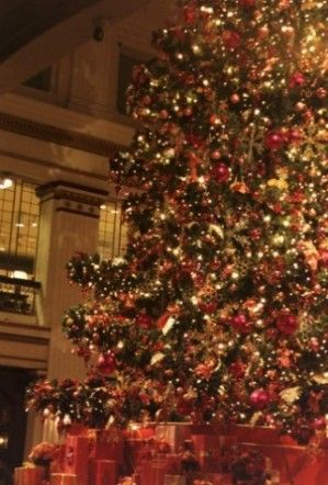 Walnut Room at Christmas time, Marshall Fields (that\'s right ...