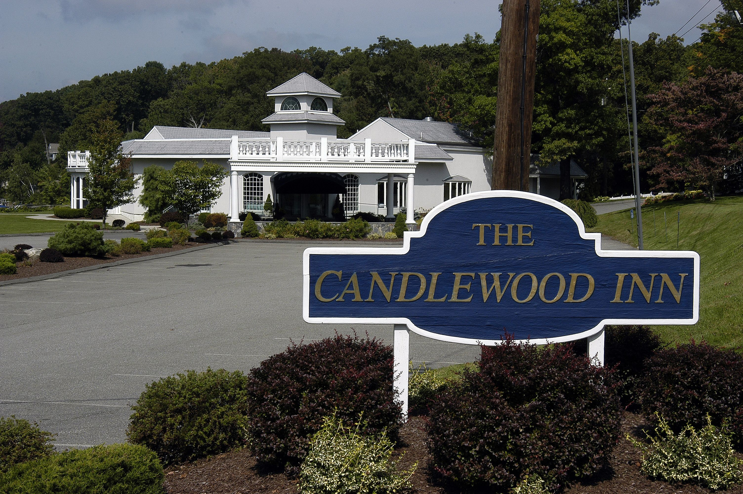 The candlewood inn located in danbury ct designed by leigh the candlewood inn located in danbury ct designed by leigh overland architect junglespirit Image collections