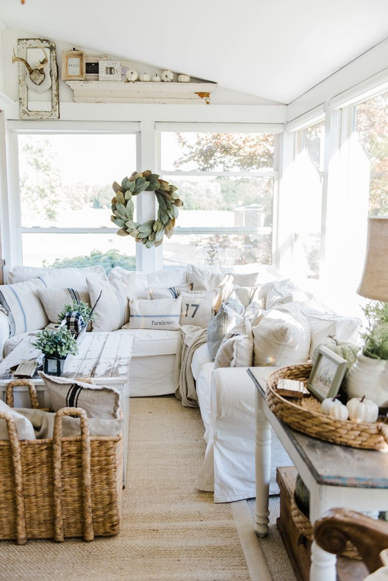 Cozy farmhouse fall sunroom sunroom cozy and inspiration for Farmhouse sunroom ideas