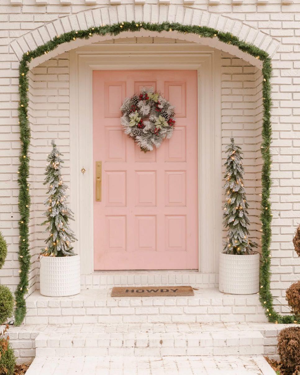 NWT OPEN THE DOOR TO CHRISTMAS SPIRIT! CRATE /& BARREL HOLIDAY DOORS DOORMAT