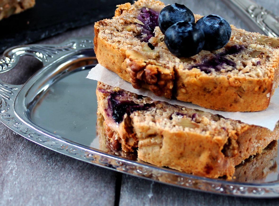 Bananen-Walnuss-Brot mit Heidelbeeren {Nachgebloggt am Freitag} – Breakfast Lullaby