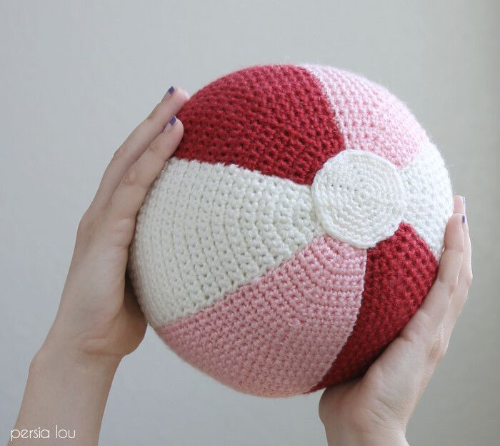 Crochet Beach Ball Pillow - Patrón libre | Amigurumis | Pinterest ...