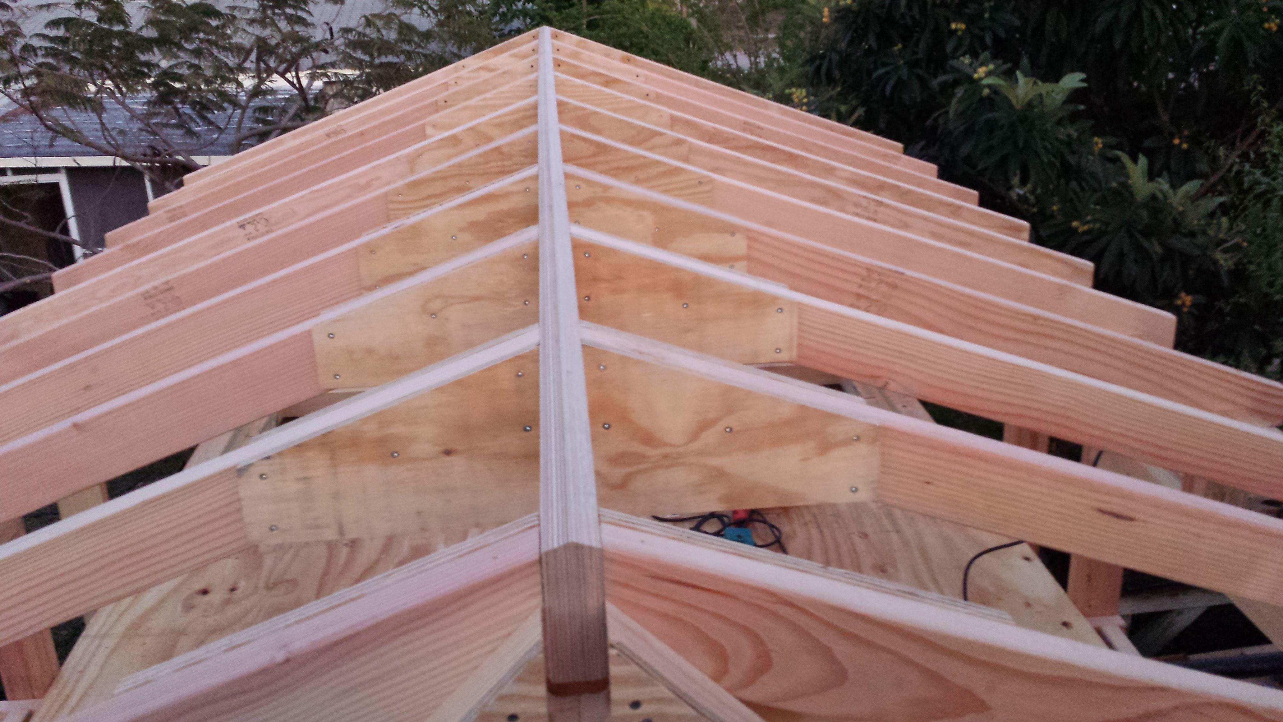 De bronafbeelding bekijken Walmdach, Dach ideen, Veranda