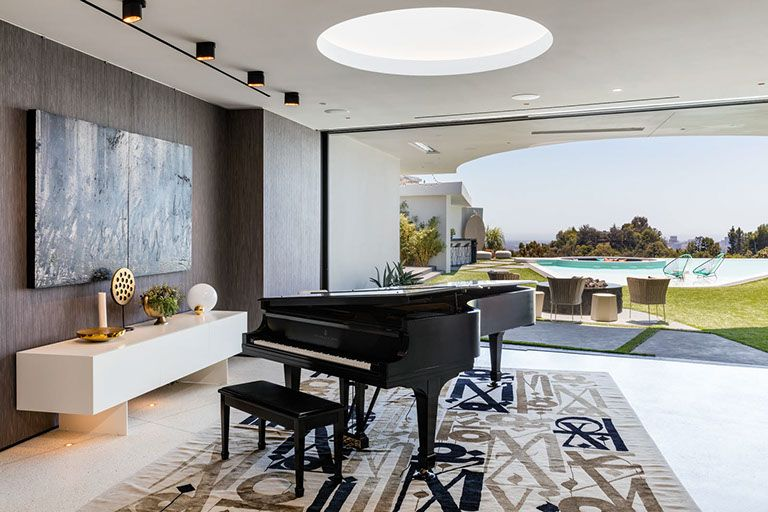 Beverly Hills Bachelor Pad Beverly Hills Bachelor Pad