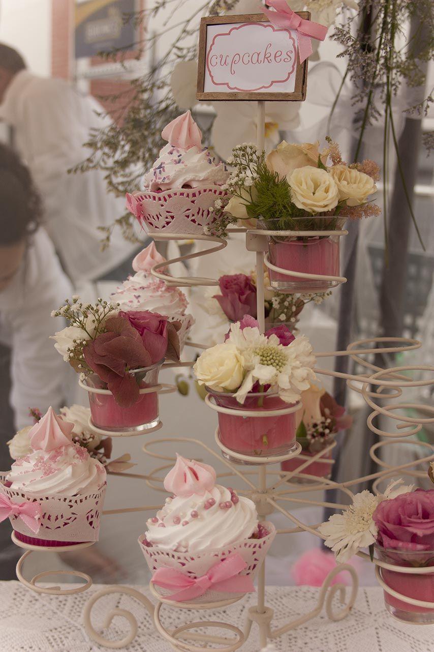 Decoracion floral para bodas candy bar mesas dulces - Decoracion boda vintage ...