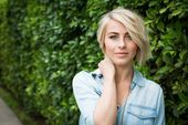 How To Go From Bedhead To Beautiful In 5 Minutes Flat  Julianne Hough #juliannehoughstyle