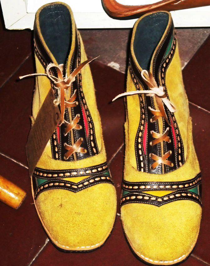 espedito seleiro   Cangaço, Sandalias de couro, Sapatos