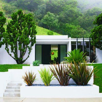 27 inspiring outdoor makeovers design house och inspiration. Black Bedroom Furniture Sets. Home Design Ideas