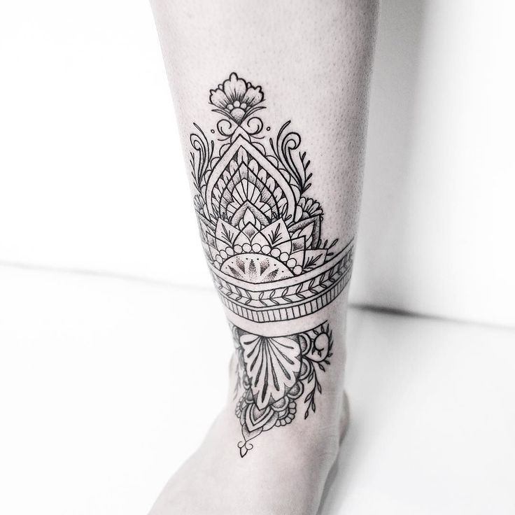 3bd23749a Ankle Tattoo Mandala, Henna Ankle, Ankle Cuff Tattoo, Ankle Foot Tattoo, Car