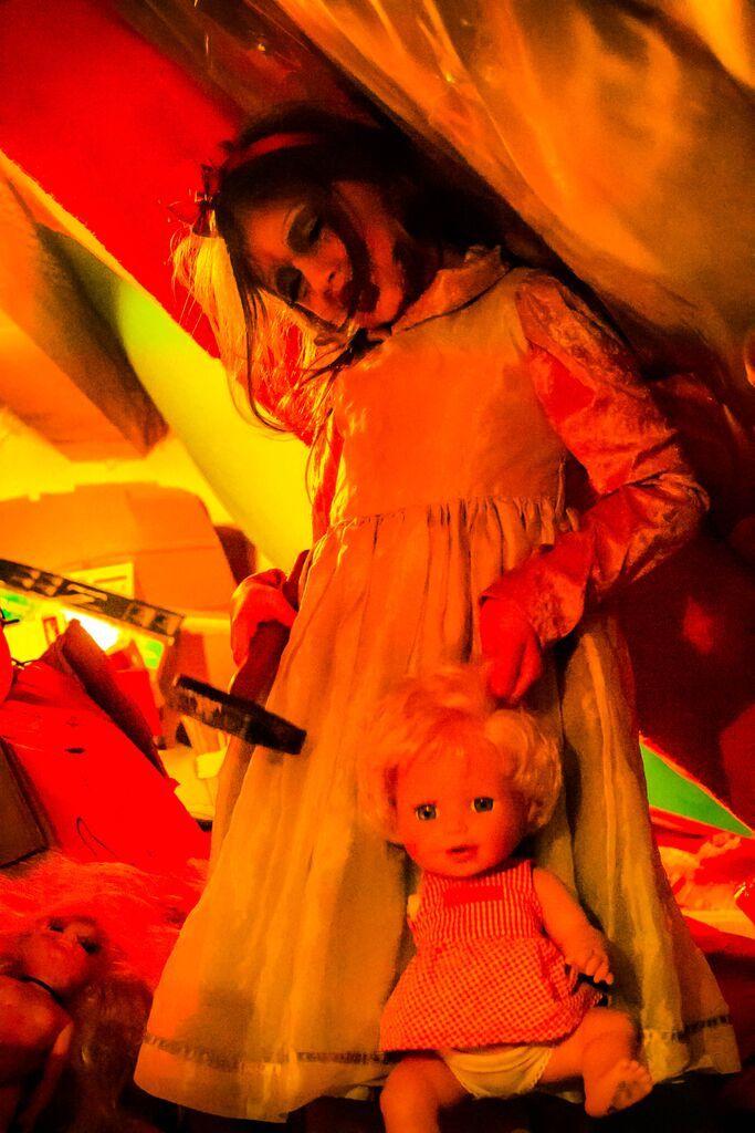 """"""" die blutige Puppe """" (Darkeness Projekt )"""