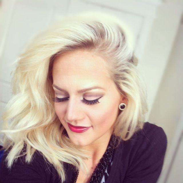 HAIR DYE TUTORIAL easy to follow at home DIY bleach ash blonde hair tutorial.