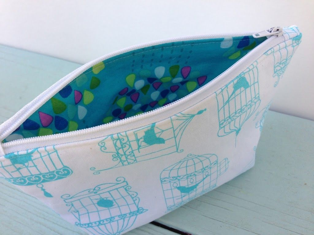 My Favorite Zipper Pouch Tutorial It S In The Bag