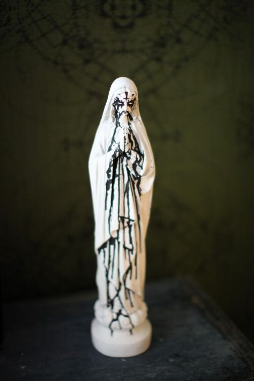 I so want a Virgin of the Black Metal corpse paint!