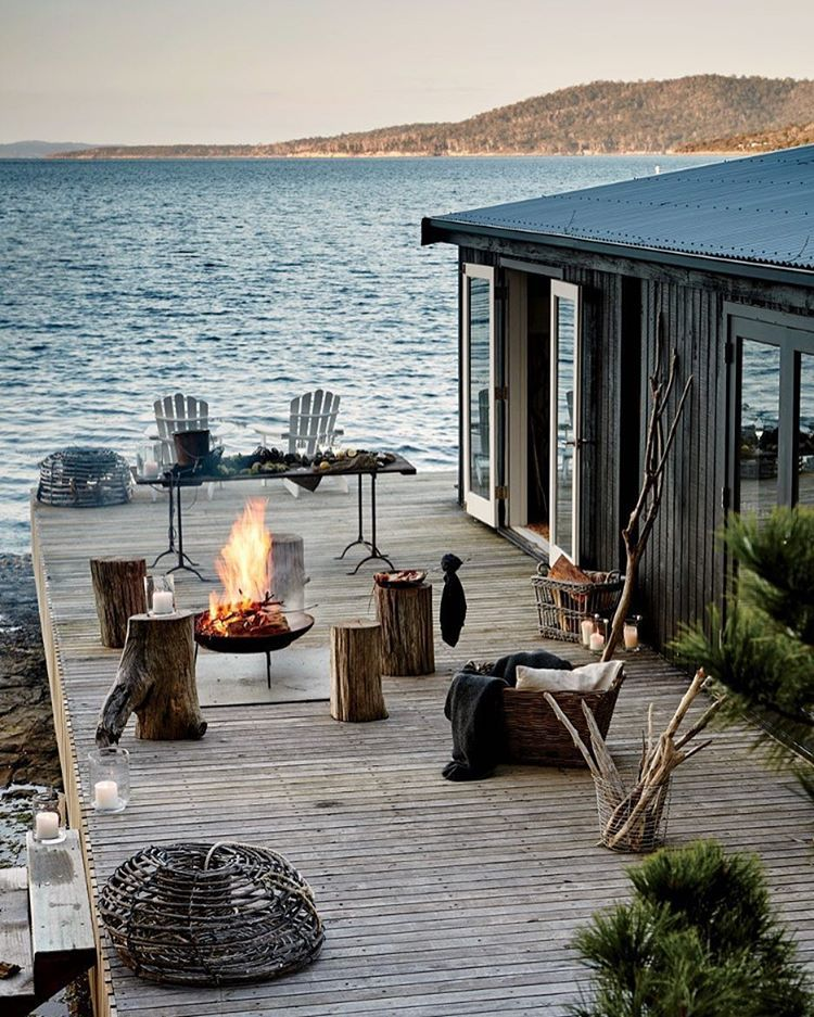 Beach House Decks: Satellite Island, Tasmania