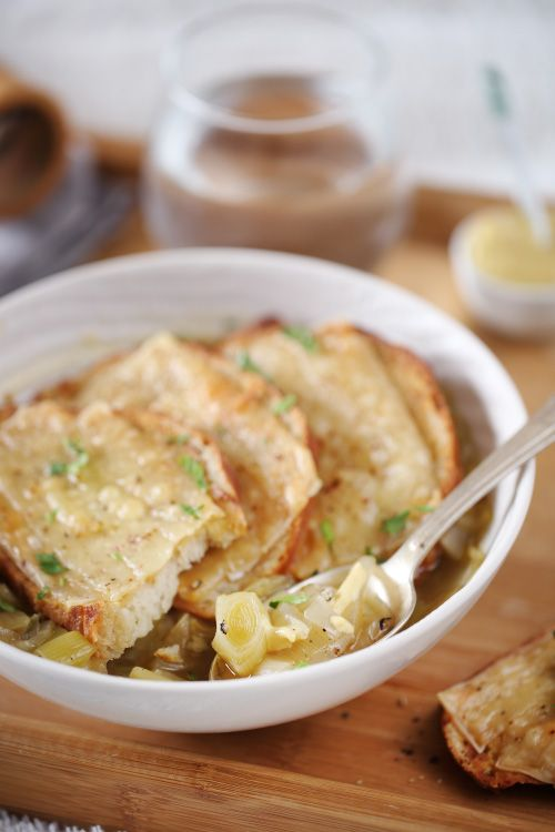 Soupe aux oignons et poireaux gratin e recette potages poireaux soupes et oignon - Soupe a oignon maison ...