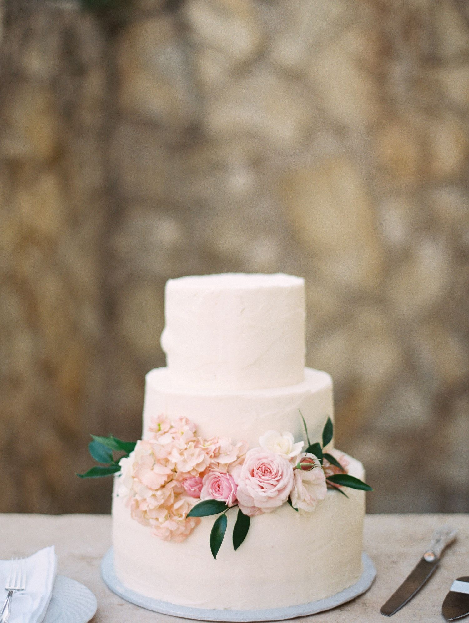 Spring wedding cakes that are almost too pretty to eat spring