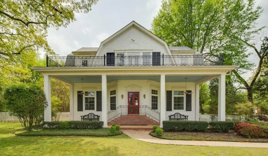 C 1903 Colonial Revival Home For Sale In Fort Smith Ar 789 000 Old House Calling In 2021 Colonial Revival Historic Homes Old Houses For Sale
