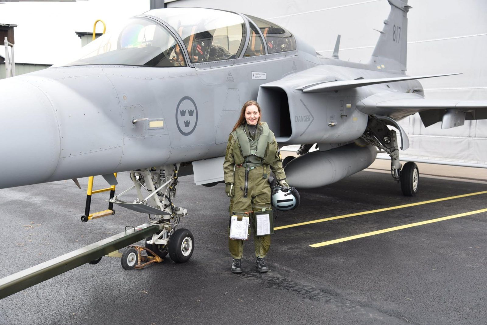 Photo of Beautiful Female Fighter jets pilots Fighter